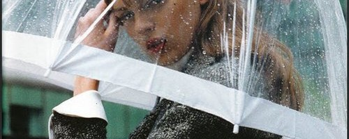Eső ellen stílusosan: hogyan lehetsz esőben is csinos és trendi?