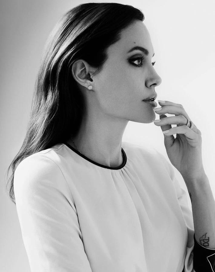 Angelina Jolie beengedett az otthonába és lenyűgözött!